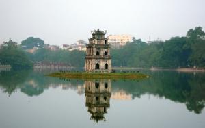 Hoan Kiem Lake - indochinatravelservice.com